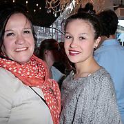 NLD/Amsterdam/20120326 - Presentatie Jeanslijn SOS van Sylvia Geersen bij Raak Amsterdam, Xandra Brood - Jansen met dochter