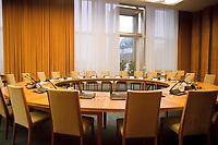 28 DEC 1999, BERLIN/GERMANY:<br /> Kabinettsaal, leer, ehem. Staatsratsgebäude der DDR, Bundeskanzleramt<br /> IMAGE: 19991228-01/01-28<br /> KEYWORDS: Kabinett