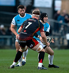 Sam Davies of Ospreys under pressure from Aaron Wainwright of Dragons<br /> <br /> Photographer Simon King/Replay Images<br /> <br /> Guinness PRO14 Round 12 - Dragons v Ospreys - Sunday 30th December 2018 - Rodney Parade - Newport<br /> <br /> World Copyright © Replay Images . All rights reserved. info@replayimages.co.uk - http://replayimages.co.uk