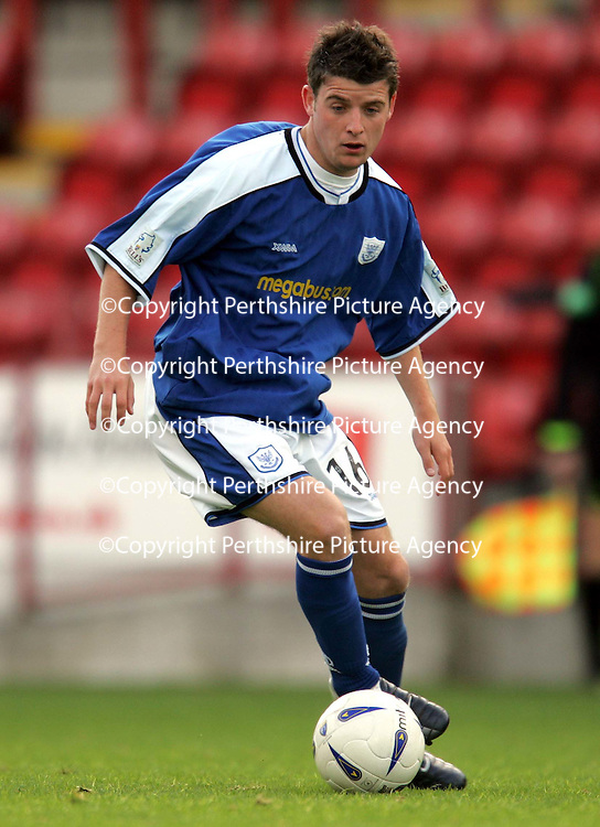 Clyde v St Johnstone...02.10.04<br />St Johnstone trialist Bobby Linn<br /><br />Picture by Graeme Hart.<br />Copyright Perthshire Picture Agency<br />Tel: 01738 623350  Mobile: 07990 594431