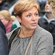 NLD/Amsterdam/20101105 - Onthulling borstbeelden Jan en Mien Froger, Carolien Tensen