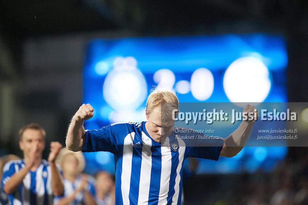 Aki Riihilahti juhlii voittoa. HJK - Schalke. UEFA Eurooppa-liiga, karsintakierros. Helsinki 18.8.2011. Photo: Jussi Eskola