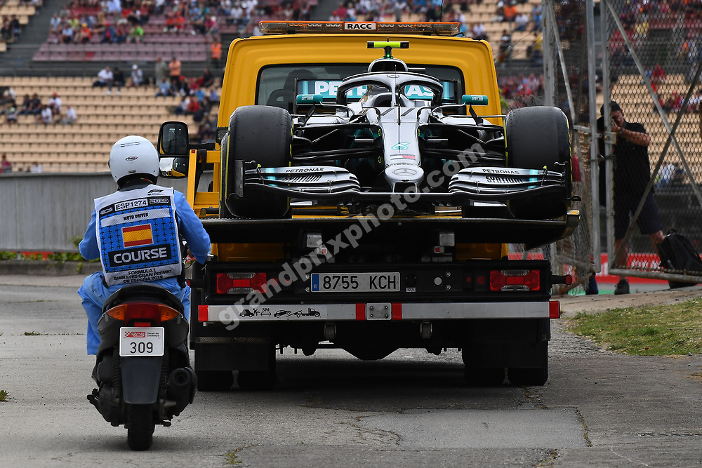 Valtteri Bottas´ Mercedes on a truck after it stopped during practice for the 2019 Spanish Grand Prix at the Circuit de Barcelona-Catalunya. Photo: Grand Prix Photo
