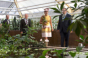 Koningin Máxima opent gerenoveerde tropische kassen Hortus botanicus Leiden .<br /> <br /> Queen Máxima opens renovated tropical greenhouses Hortus Botanicus Leiden.