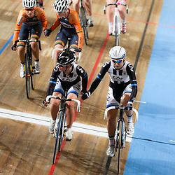 27-12-2014: Wielrennen: NK Baanwielrennen: Apeldoorn Amy Pieters en Kelly Markus prolongeren de titel op de koppelkoers