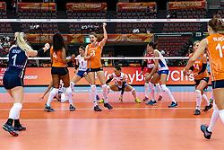 11-10-2018 JPN: World Championship Volleyball Women day 12, Nagoya<br /> Netherlands - Serbia 3-0 / Celeste Plak #4 of Netherlands, Yvon Belien #3 of Netherlands, /nl