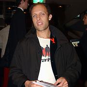 Stop Aids Now Utrecht, Hugo Metsers III steek tong uit