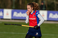 BILTHOVEN -  Hoofdklasse competitiewedstrijd dames, SCHC v hdm, seizoen 2020-2021.<br /> Foto: Anna de Geus (SCHC) heeft koude hand