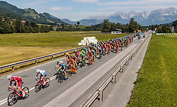 07.07.2017, St. Johann Alpendorf, AUT, Ö-Tour, Österreich Radrundfahrt 2017, 5. Kitzbühel - St. Johann/Alpendorf (212,5 km), im Bild das Peloton in Kitzbühel // the Peloton at Kitzbühel during the 5th stage from Kitzbuehel - St. Johann/Alpendorf (212,5 km) of 2017 Tour of Austria. St. Johann Alpendorf, Austria on 2017/07/07. EXPA Pictures © 2017, PhotoCredit: EXPA/ JFK
