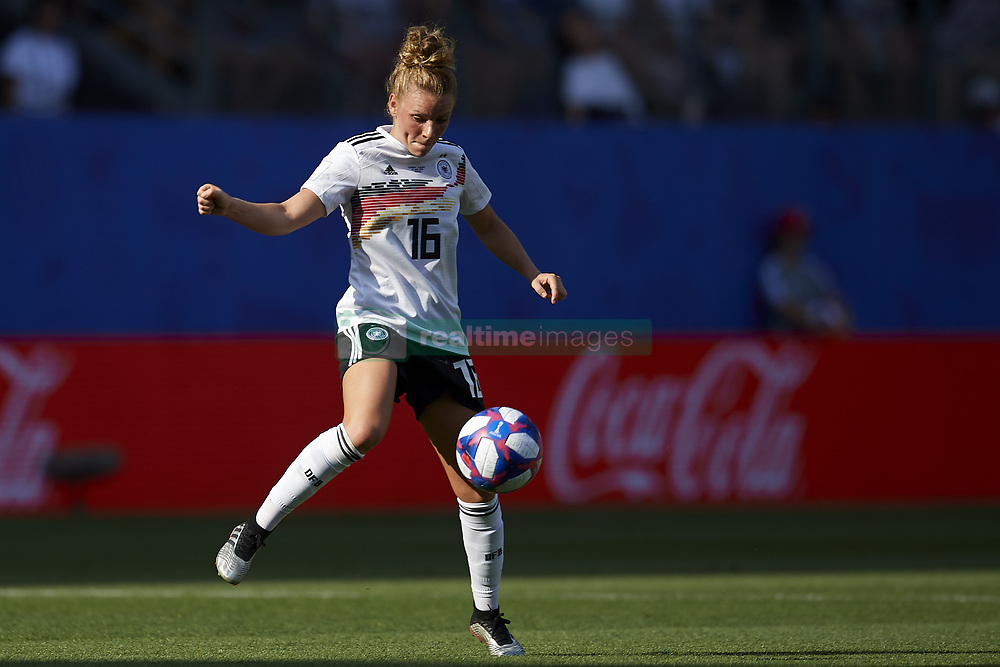 June 29, 2019 - Rennes, France - Linda Dallmann (Sgs Essen) of Germany controls the ball during the 2019 FIFA Women's World Cup France Quarter Final match between Germany and Sweden at Roazhon Park on June 29, 2019 in Rennes, France. (Credit Image: © Jose Breton/NurPhoto via ZUMA Press)
