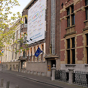 NLD/Den Haag/20070412 - Visit of president of the European Parliament to The Hague, office..NLD/Den Haag/20070412 - President Europees Parlement Hans-Gert Pöttering bezoekt Den Haag, lopend onderweg naar het Binnenhof.  ** foto + verplichte naamsvermelding Brunopress/Edwin Janssen  **