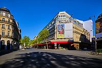 France, Paris (75), boulevard Haussmann, les Galeries Lafayette durant le confinement du Covid 19 // France, Paris, Galeries Lafayette shop during the lockdown of Covid 19000