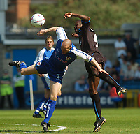 Foto: Digitalsport<br /> NORWAY ONLY<br /> SPORTSBEAT 01494 783165<br /> PICTURE ADY KERRY .<br /> MILLWALL VS READING<br /> MILLWALL'S ROBBIE RYAN  CHALLENGES WITH READING'S HAUN GOATER , 24TH APRIL 2004.