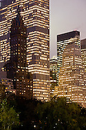 New York. central park skyline near central park Plaza, Sherry Netherland hotel building  New York, Manhattan - United states / central park skyline pres de central park Plaza. Sherry Netherland hotel   Manhattan, New York - Etats-unis