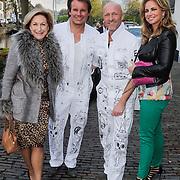 NLD/Naarden/20120422 - Inloop gasten verjaardagsfeest Monique des Bouvrie, Leco van Zadelhof en parner Ron Sintenie en styliste Pascal Swinkels