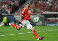 20120327: LISBON, PORTUGAL - Champions League 2011/2012 - Quarter-finals, First leg: SL Benfica vs Chelsea.<br /> In picture: Benfica's Maxi Pereira, Uruguay.<br /> PHOTO: Alvaro Isidoro/CITYFILES