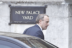 © Licensed to London News Pictures. 22/04/2020. London, UK. Foreign Secretary Dominic Raab arrives at the House of Commons ahead of Prime Minister's Questions . Parliament has re-opened today after the Easter holidays and the start of lockdown. The Speaker has asked MPs not to attend but to join in via Zoom where questions can be seen and heard on screens mounted in the chamber. Photo credit: Peter Macdiarmid/LNP