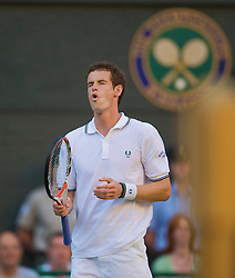 LONDON, ENGLAND - Tuesday, June 23, 2009: Andy Murray (GBR) during his Gentlemen's Singles 1st Round victory on day two of the Wimbledon Lawn Tennis Championships at the All England Lawn Tennis and Croquet Club. (Pic by David Rawcliffe/Propaganda)