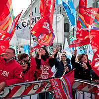 Italy: Eni workers strike for a day over Versalis sell