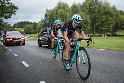 Hannah Payton works to bring back Alice Barnes after a mechanical issue at the Crescent Vargarda - a 152 km road race, starting and finishing in Vargarda on August 13, 2017, in Vastra Gotaland, Sweden. (Photo by Sean Robinson/Velofocus.com)