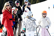 Fotosessie met de koninklijke familie in Lech /// Photoshoot with the Dutch royal family in Lech .<br /> <br /> Op de foto/ On the photo: Koningin Maxima  ///// Queen Maxima with her daughters