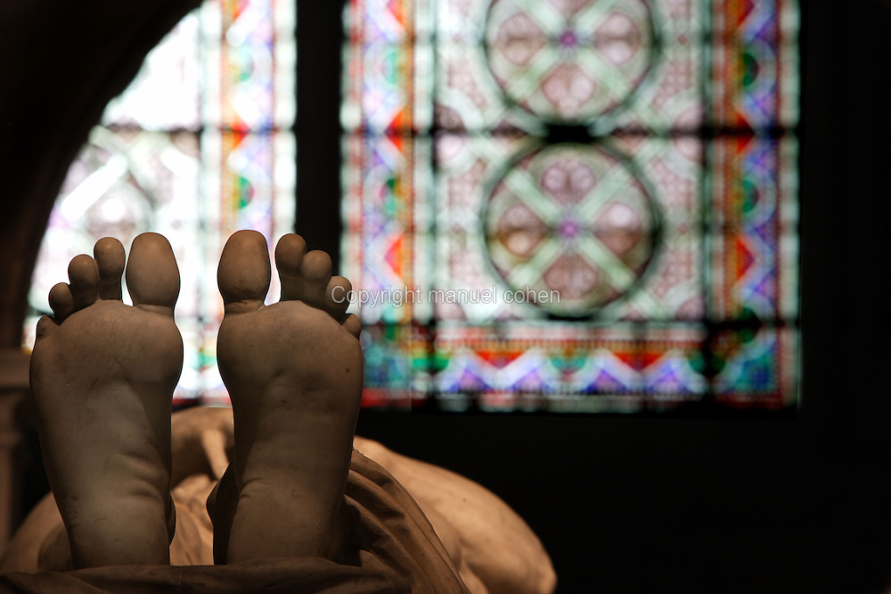 Feet, gisant of Francois I (1494 - 1547), marble, by Pierre Bontemps, circa 1570, commissionned by Henry II, Abbey church of Saint Denis, Seine Saint Denis, France. Picture by Manuel Cohen