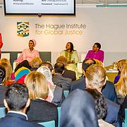 NLD/Den Haag//20170519 - Koningin Maxima en Hare Hoogheid Sheikha Moza bint Nasser uit Qatar bij seminar over bescherming onderwijs in conflictsituaties, v.l.n.r.  Zeinab Badawi, Sheika Moza bint Nasser, Fatou Bassouda, Graca Machel