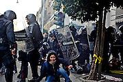 Manifestanti in stato di fermo davanti Ministero dell'Economia e delle Finanze<br /> 19 ottobre  2013 . Daniele Stefanini /  Oneshot