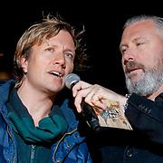 NLD/ENSCHEDE/20121224 - SERIOUS REQUEST DAG 7 EINDSTAND - Erik Corton en Klaas van Kruistum