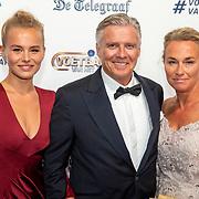 NLD/Hilversum/20190902 - Voetballer van het jaar gala 2019, Keje Molenaar en partner samen met dochter AnneKee Molenaar