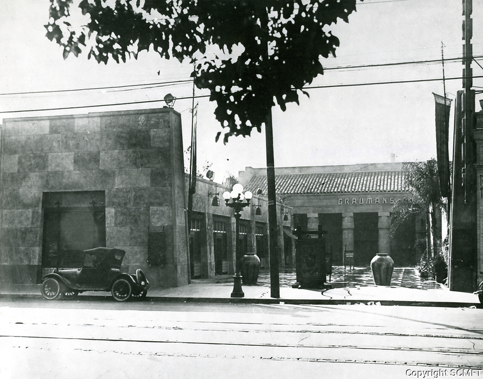 1924 Grauman's Egyptian Theater