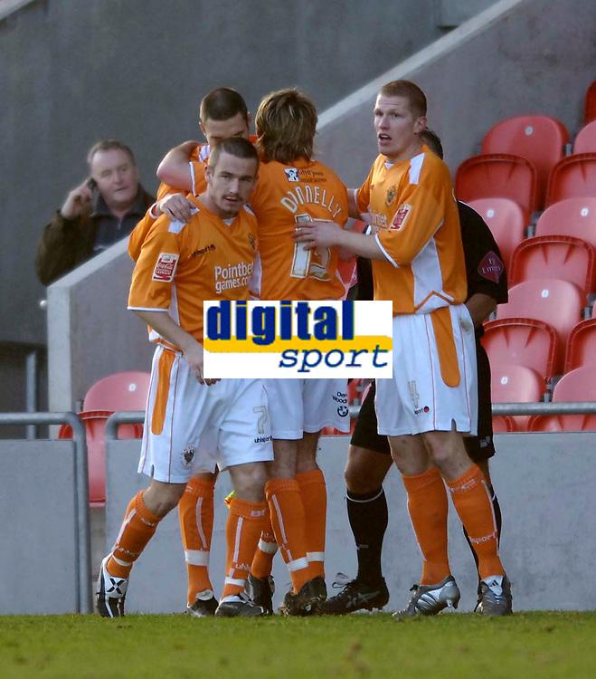 Photo: Jed Wee.<br />Blackpool FC v Bristol City. Coca Cola League 1. 21/01/2006.<br />Blackpool celebrate their goal.