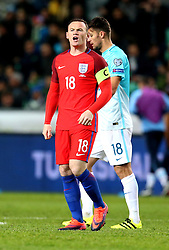 Wayne Rooney of England gives encouragement to his teammates on entering the pitch - Mandatory by-line: Robbie Stephenson/JMP - 11/10/2016 - FOOTBALL - RSC Stozice - Ljubljana, England - Slovenia v England - World Cup European Qualifier