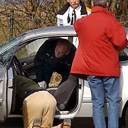 Duitse auto gevonden onder verdachte omstandigheden parkeerplaats Stichtse Strand Voorland Blaricum..politie, Gooi & Vechtstreek, onderzoek, technisch recherche, bewijs,