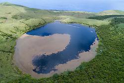 Luftbildaufnahme von einem Kratersee im Hochland von Pico, Azoren / Aerial View from a Crater Lake on the highland of Pico, Acores