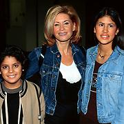 Pittig Popconcert 1997 Utrecht, Conny Breukhoven met 2 van haar kinderen