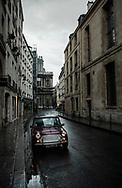 Rue de Sévigné au Marais.