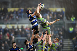 Paul Grant of Bath Rugby competes with Andrew Davidson of Newcastle Falcons for the ball at a lineout - Mandatory byline: Patrick Khachfe/JMP - 07966 386802 - 27/01/2018 - RUGBY UNION - The Recreation Ground - Bath, England - Bath Rugby v Newcastle Falcons - Anglo-Welsh Cup