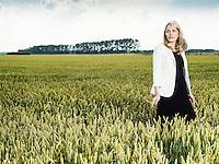 Anna Malmhake, vd The Absolut Company. I ett vetefält utanför Åhus.