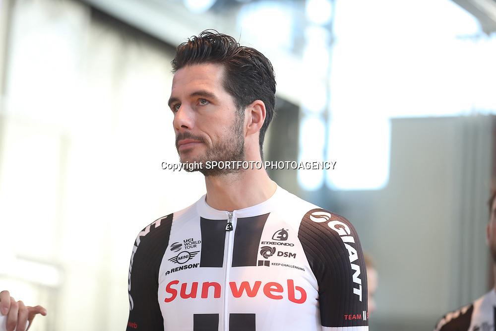 05-01-2017: Wielrennen: Presentatie Sunweb Giant: Rotterdam  <br />MUNSTER (GER) wielrennen  <br />Roy Curvers