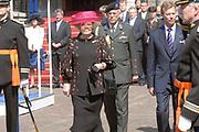 State visit of Luxembourg to the Netherlands /<br /> Staatsbezoek van Luxemburg aan Nederland<br /> <br /> On the photo / Op de foto;<br />  Farewell ceremonial on binnenhof in The Hague in the presence of the Grand Duke  of Luxembourg (Prince Henri van Luxemburg ), queen Beatrix, maxima and Willem Alexander<br /> <br /> Afscheidsceremonieel op het Binnenhof in Den Haag in aanwezigheid van de Groothertog (Prins Henri van Luxemburg ) en Groothertogin van Luxemburg , Koningin Beatrix, Maxima en Willem Alexander