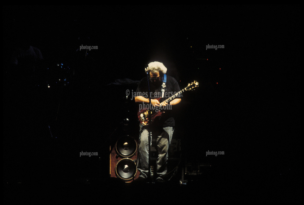 Jerry Garcia with The Grateful Dead perfoming Picasso Moon at the Nassau Coliseum, Uniondale NY, 30 March 1990