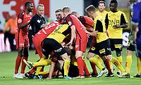 Fotball , 21. mai 2018 , Eliteserien , Lillestrøm - Brann 1-1<br /> Frode Kippe  , Brann og Azar Karadas , Brann barker sammen i slåskamp