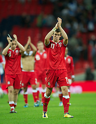 06.09.2011, Wembley Stadium, London, GBR, UEFA EURO 2012, Qualifikation, England vs Wales, im Bild Wales' Gareth Bale at the end of the 1-0 defeat against England during the UEFA Euro 2012 Qualifying Group G match at Wembley Stadium on 6/9/2011. EXPA Pictures © 2011, PhotoCredit: EXPA/ Propaganda Photo/ David Rawcliff +++++ ATTENTION - OUT OF ENGLAND/GBR+++++
