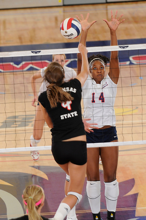2009 FAU Women's Volleyball vs Arkansas State