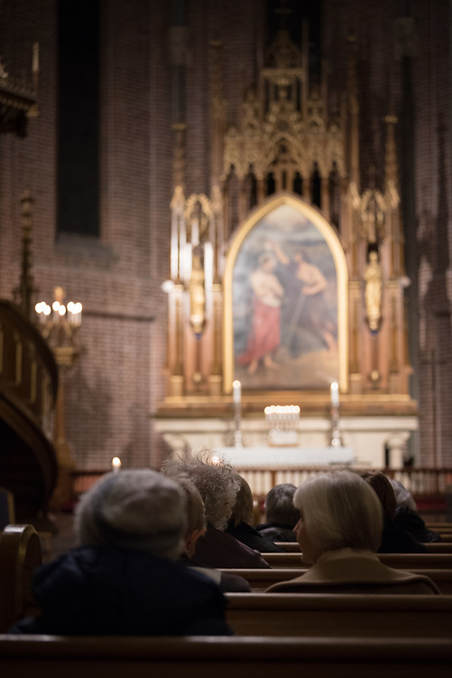 """9 December 2017, Oslo, Norway: In the Trinity Church in Oslo, Norway on 9 December, the World Council of Churches and the Church of Norway hosted an ecumenical prayer service on the occasion of the Nobel Peace Prize ceremony. Oslo hosts the Nobel Peace Prize award ceremony on 9-10 December 2017. The prize in 2017 goes to the International Campaign to Abolish Nuclear Weapons (ICAN), for """"its work to draw attention to the catastrophic humanitarian consequences of any use of nuclear weapons and for its ground-breaking efforts to achieve a treaty-based prohibition of such weapons""""."""