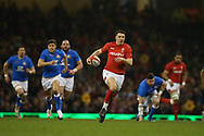 Owen Watkin  of Wales makes a break to set up a 1st half try for George North. Wales v Italy , NatWest 6 nations 2018 championship match at the Principality Stadium in Cardiff , South Wales on Sunday 11th March 2018. pic by Andrew Orchard, Andrew Orchard sports photography