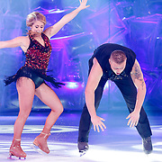 NLD/Hilversum/20130101 - 1e Liveshow Sterren dansen op het IJs 2013, Tony Wyczynski en schaatspartner Alexandra Murphy