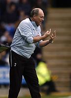 Photo: Jonathan Butler.<br /> Reading v Tottenham Hotspur. The Barclays Premiership. 12/11/2006.<br /> Martin Jol of Tottenham signals to the players.