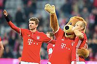 Schlussjubel, v.l. Thomas Mueller. Maskotchen Bernie, Arjen Robben (Bayern)<br /> Muenchen, 10.12.2016, Fussball, Bundesliga, FC Bayern München - VfL Wolfsburg 5:0<br /> <br /> Norway only